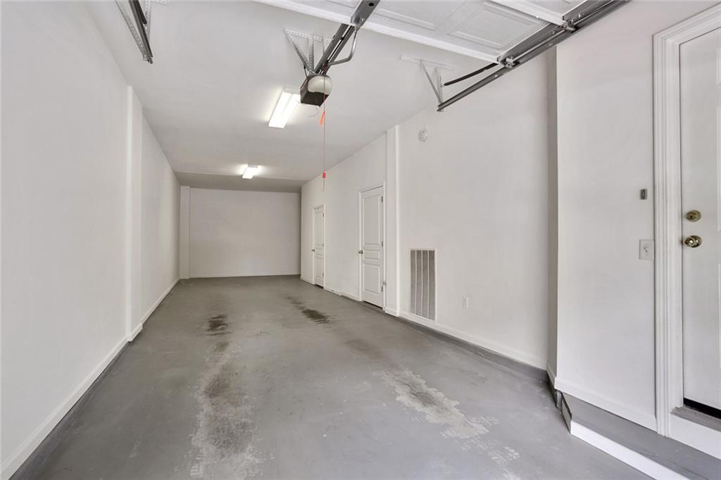 375 Highland Avenue - Garage