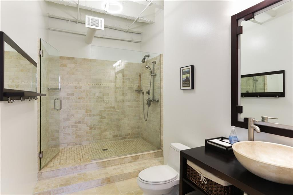 Peachtree Lofts unit #808 in Midtown Atlanta. Sold by real estate agent Darrin Hunt at The Real Estate Company.